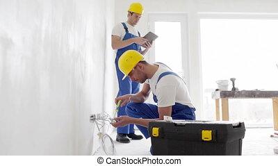 pc, być w domu, budowniczowie, tabliczka, wyposażenie