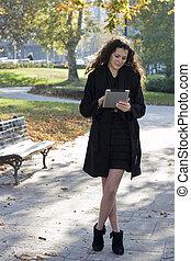 pc, femme, parc, jeune, tablette