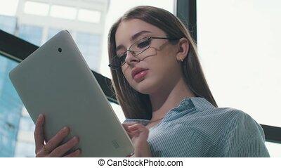 pc, femme, tablette, bureau, utilisation