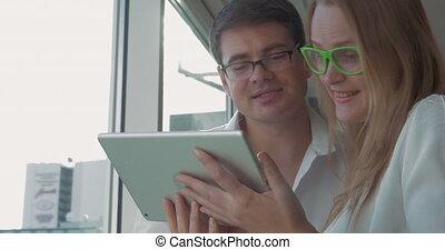 pc, lunettes, tablette, gens