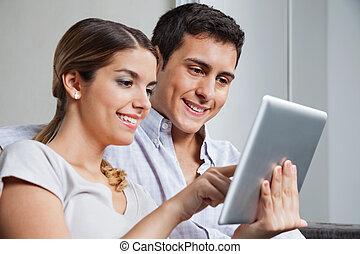 pc, pareja, joven, tableta