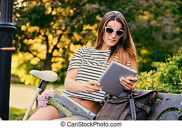 pc, park., femme, tablette, utilisation