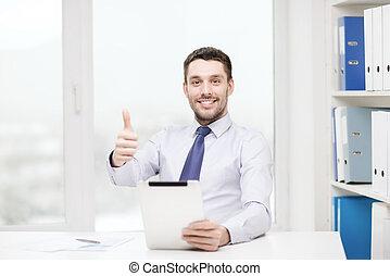 pc, sonriente, documentos, tableta, hombre de negocios