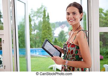 pc, tenue femme, tablette