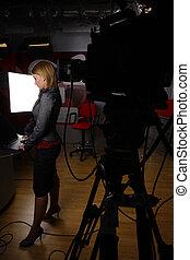 pełna długość, nowość sprawozdawca, w, telewizyjne studio