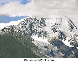 Peak of mountain Belukha in the clo