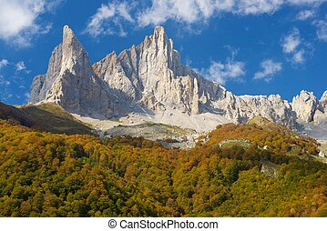 Pyrenees - Peaks in Lescun Cirque. On the left Petite ...