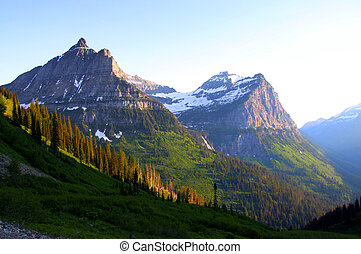 Logan pass - Peaks near Logan pass in Glacier national park