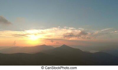 peaks., sur, pittoresque, montagnes, coucher soleil