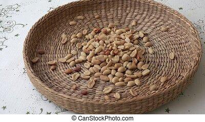 peanuts., fou, beaucoup, panier, là
