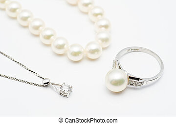 accessories - Pearl and diamond accessories