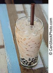 pearl milk tea - bubble milk tea ( Glass of milk tea with ...