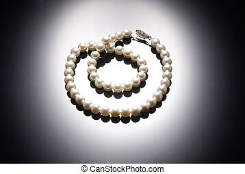 Pearl Necklace - Beautiful pearl necklace over blake ...