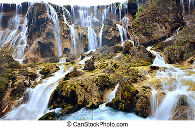 Pearl waterfall in Jiuzhaigou