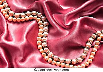 Pearls satin