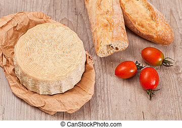 Pecorino Cheese - Tasty fresh pecorino cheese from italy