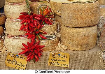 pecorino, stagionato, kaas, al, peperoncino, (chili, peper,...