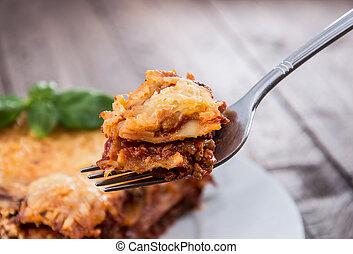 pedaço, de, fresco, feito, lasanha, ligado, um, garfo