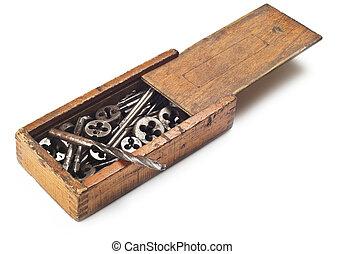 pedacitos, herramientas, taladro