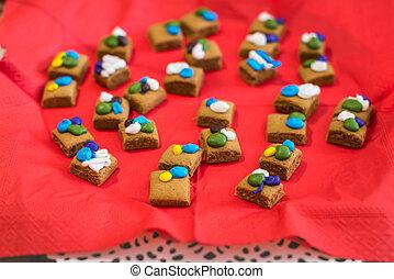 pedazos, de, galletas, en, rojo, servilleta