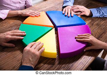 pedazos, gráfico, pastel, businesspeople, de conexión