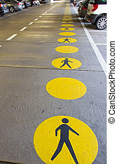 pedestrian 通路
