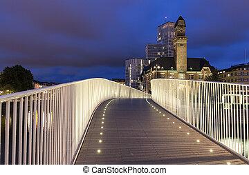 Pedestrian bridge in Malmo at night