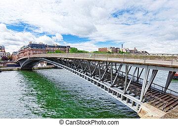 Pedestrian bridge Leopold Sedar Senghor. Paris. France