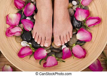 Pedispa - Spa treatment with fresh beautiful roses