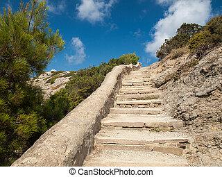 pedra, passos, guiando, cima, para, a, topo, de, um, montanha rochosa