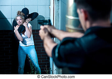 pekande gevär, hos, kidnappare