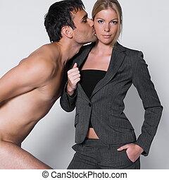 pelado, beijando, mulher, homem