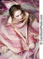 pelado, mulher bonita, drapejado, em, transparente, dress.