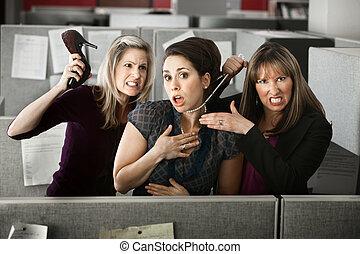 pelea, tres, oficina, mujeres