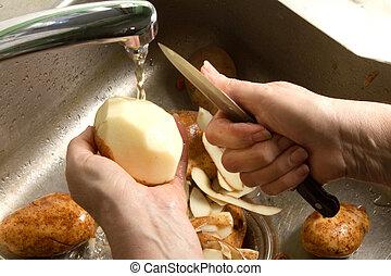 peler, mains, pomme terre