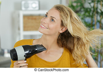 pelo, ella, secado, joven, eléctrico, mujer, blowdryer