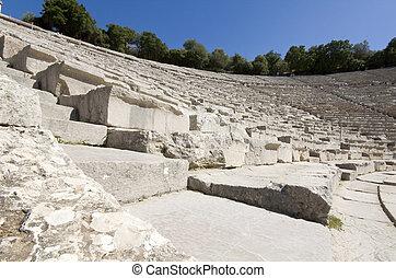 peloponnese, ancien, epidaurus, amphithéâtre, grèce