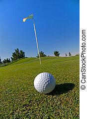pelota de golf, en, verde