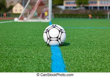 pelota del fútbol, en, campo