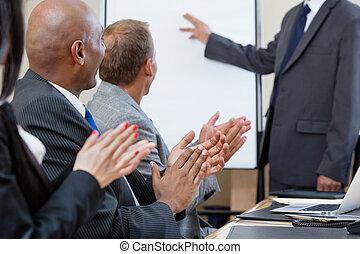 pendant, applaudir, présentation, professionnels