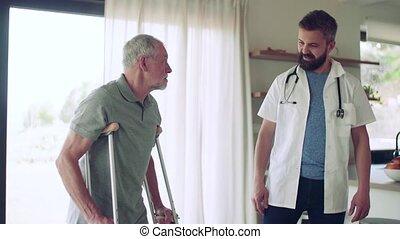pendant, marche., visiteur, béquilles, santé aînée, visite, homme, maison