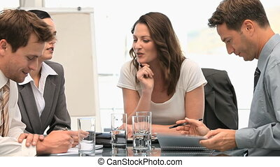 pendant, réunion, rire, ensemble, collègues