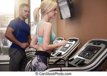 pendant, séance entraînement, femme, homme
