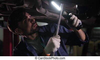 pendant, spécialiste, chèque, concentré, réparation, voiture...