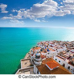 peniscola, tengerpart, és, falu, felülnézet, alatt, castellon, spanyolország