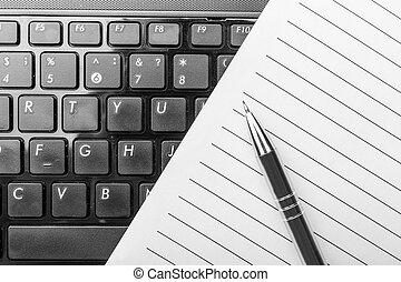 penna, quaderno, tastiera
