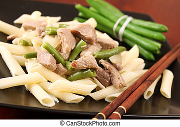 Penne with pork and green beans