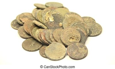 Pennies Found In Metal Detecting - Treasure hunting using...
