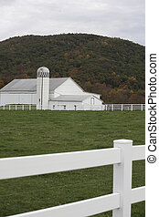 Pennsylvania fall on the farm - Large and well maintained...