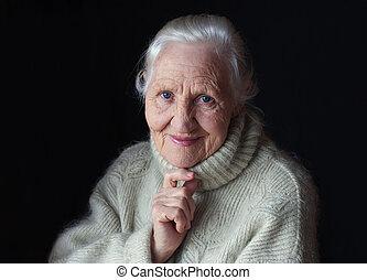 pensée, femme âgée